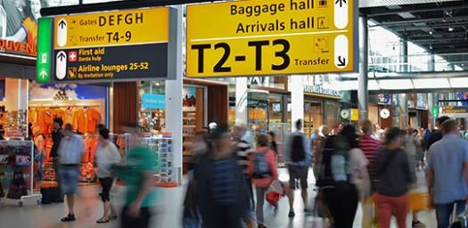 Los mejores aeropuertos de Europa son muy transitados.