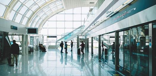 Un seguro de viaje hace más llevaderos los temidos retrasos en aviones y otros transportes.