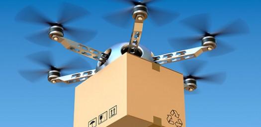 Llevar paquetes es una de las cosas que se puede hacer con los drones.