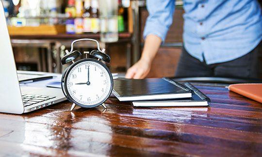 Gestión del tiempo para optimizar presupuesto en viajes de empresa
