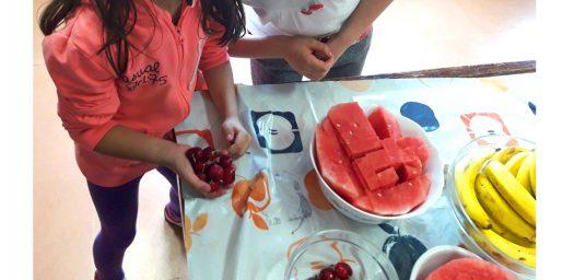 Donación fruta Aldeas Infantiles de Diners Club Spain