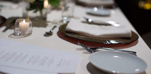 Detalle mesa para evento MICE