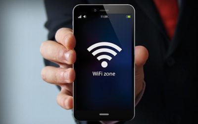WiFi por las nubes: ¿cómo funciona la conexión en los aviones?