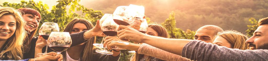 Equipo de personas en actividad team building vinícola