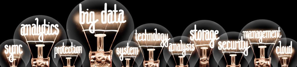 Bombillas con conceptos de análisis, Big data, tecnología, sistema, protección
